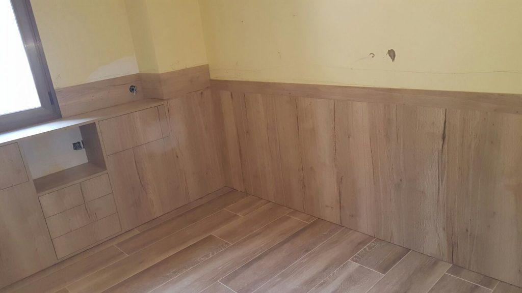 Habitacions a mida, realitzem projectes integrals d'interiorisme per la teva llar, negoci o espai. Des de petites reformes en fusta i rehabilitacions d'espais a la creació i disseny de qualsevol obra nova on podem fer tot el relacionat amb la fusta a mida.